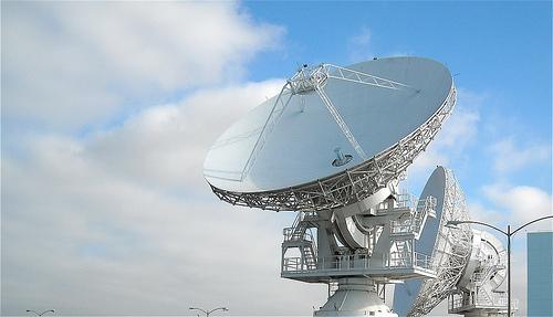 NASA radar installation by David Roab CC